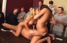 Students havin an orgy